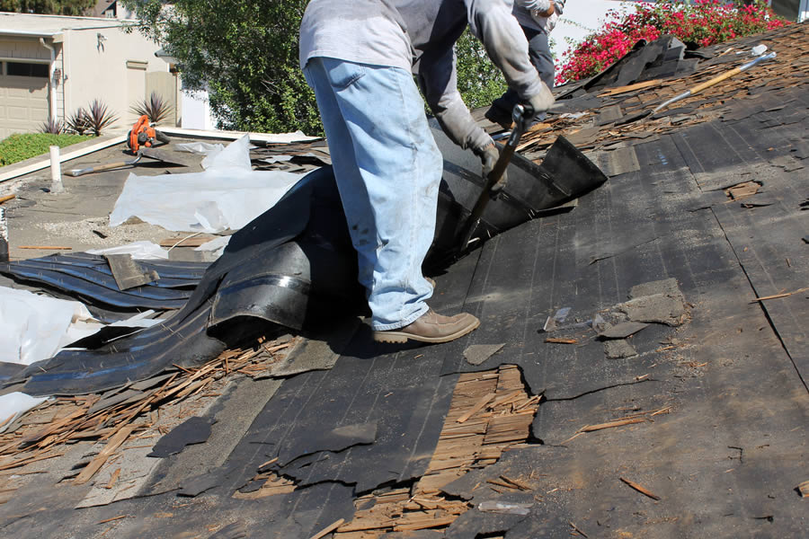 Get Tear Off Roof Replacement in West Bloomfield Michigan