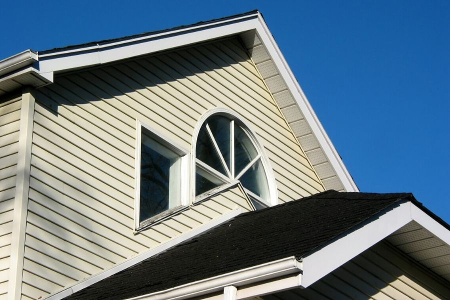 🏡🏠 👍 Signs That Mean You Need Siding Replacement in Southgate Michigan ⭐️⭐️⭐️⭐️⭐️