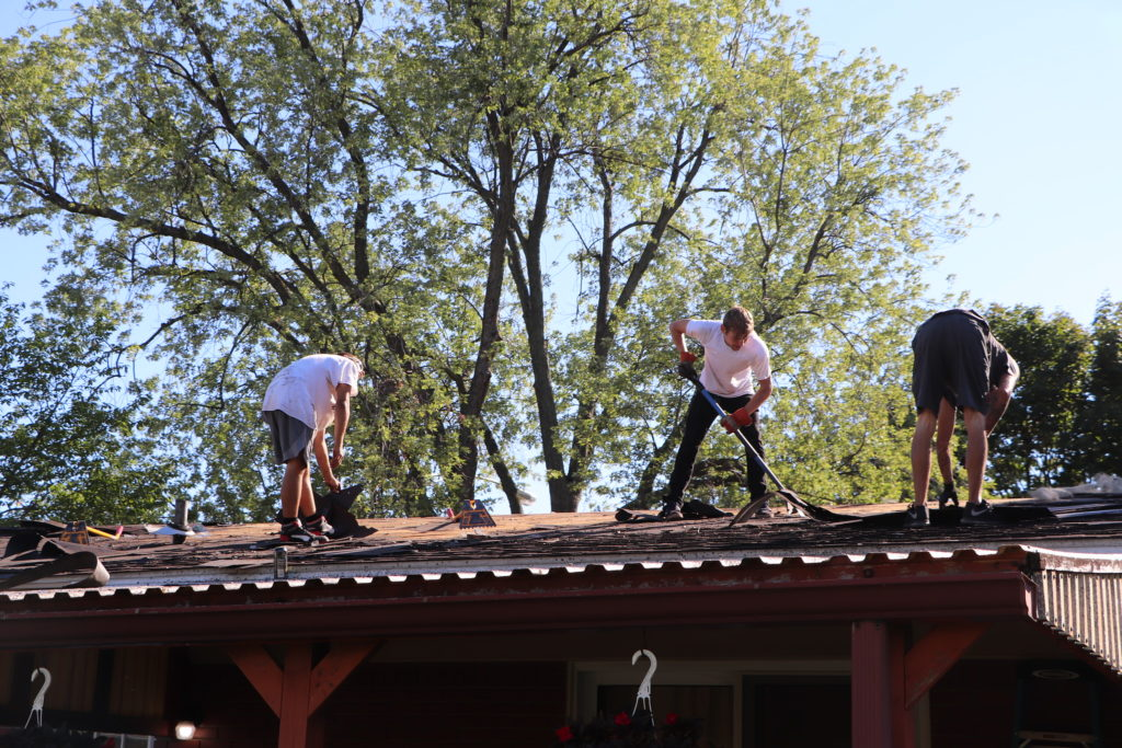 🌸🔎🔐💡 Key Questions to Ask a Roofing Contractor in Grosse Ile MI 💭💬🙋♀️🙋♂️